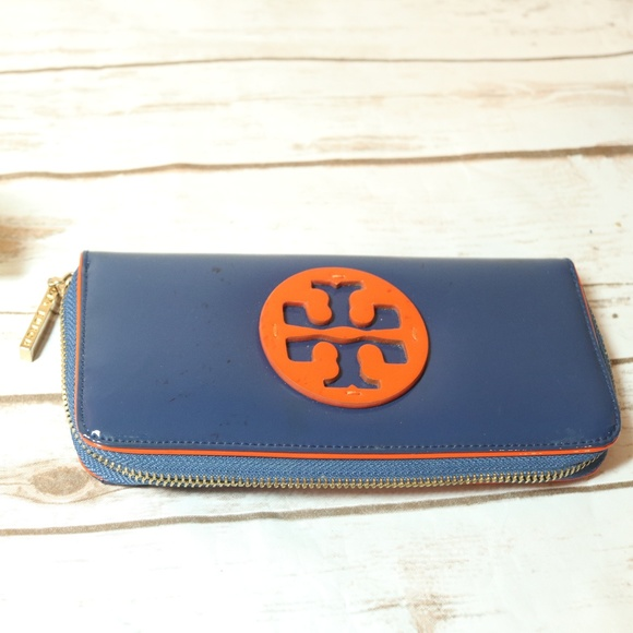 30a8d5ca1 Tory Burch Orange Blue Patent Leather Wallet. M 5a80ff862ab8c5877f810622